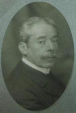 2 Manuel Villegas Brieva